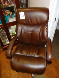 Leather La-Z-Boy office chair - great shape