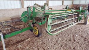 John Deere 705 Hydraulic fold Twin V Rake, Serial #165832. Click on the photo for additional pictures.