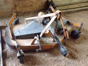Woods 7200 finish mower, rear wheel holders bent.  Click on the photo to see additional pictures.
