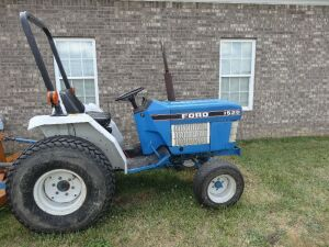 Ford 1520 runs great 2900 hrs, turf tires