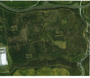 "Tract D- 118.204 acres: This parcel is zoned RB (Residential ""B"" District). The entrance to this tract will be from Westridge Drive. The zoning allows for single family dwellings and this is also great recreational property. You are bidding on this tract"