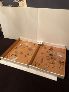 Box Lots of Misc Jewelry
