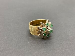 14K Yellow Gold Truebrite Ring, 0.58 ct Emerald,/ 0.25 ct. Diamonds./ 9.0gr. (MSRP-$1,345.00)