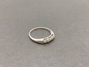 14K White Gold Ring, 0.20 ct. Diamonds./ 2.1 gr. (MSRP-$519.50)