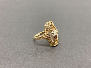 10K Sabrina Ring/ 2.2 grams