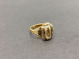 10K Yellow Gold Ring, 4.0 grams
