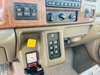 2001 Ford F-650 Super Crewzer w/ 6spd Allison Transmission - 17