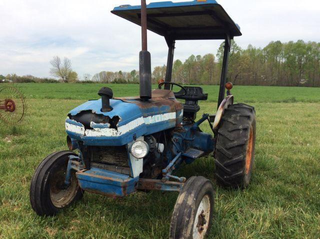 3910 Ford Tractor
