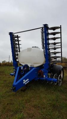 Spikewheel 800 series liquid fertilize injection aeration unit (