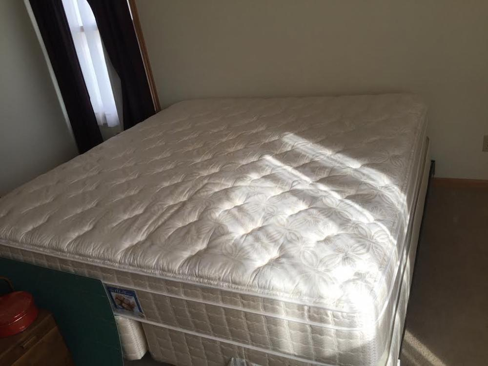 Lot 184 Of 186: Queen Size Bed Frame And Mattress