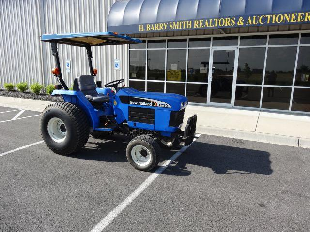 2004 New Holland TC 30  Turf Tires, 1,774 Hours
